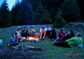 Беседы в горах у костра